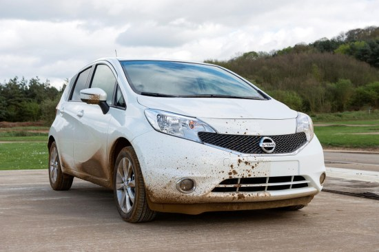 nissan-note-self-cleaning-paint-001-1