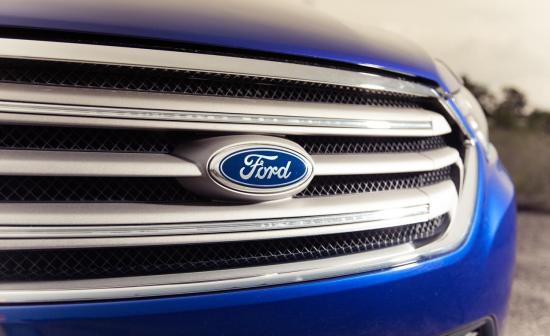 2013-ford-taurus-sel-20l-ecoboost-grille-and-badge-photo-529274-s-1280x782