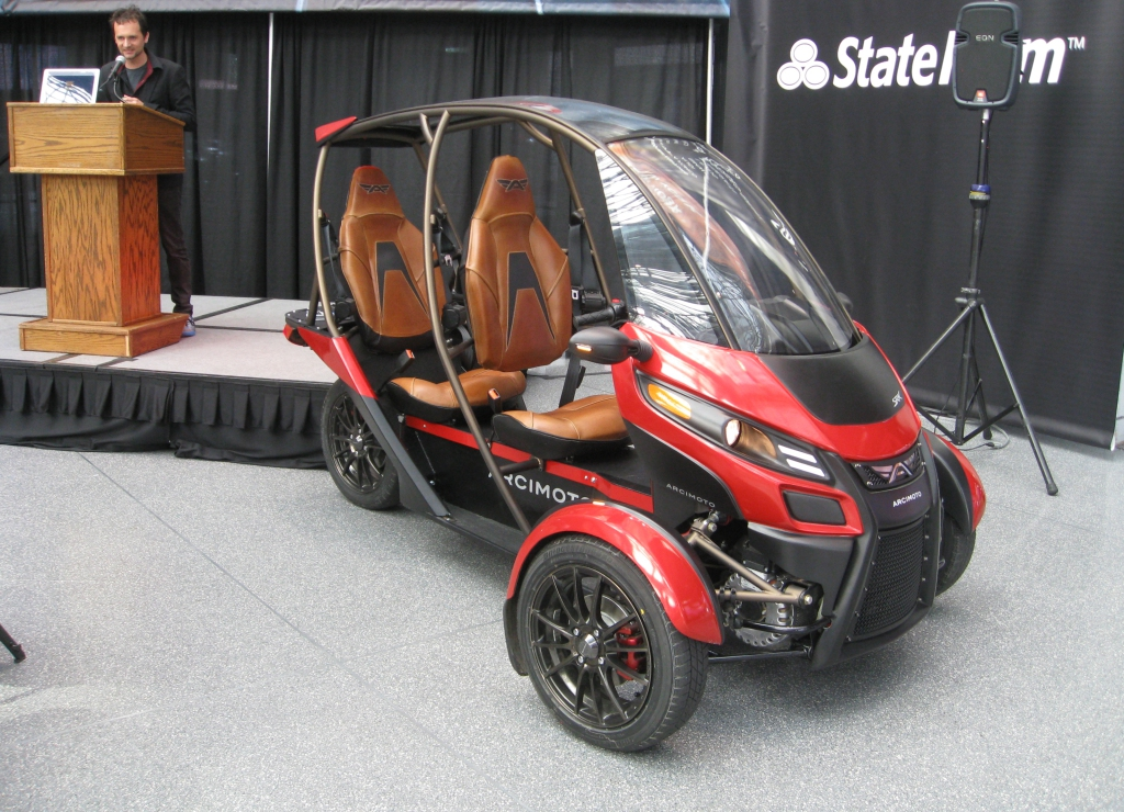 A Tale Of Two Trikes Arcimoto And Elio Do New York The
