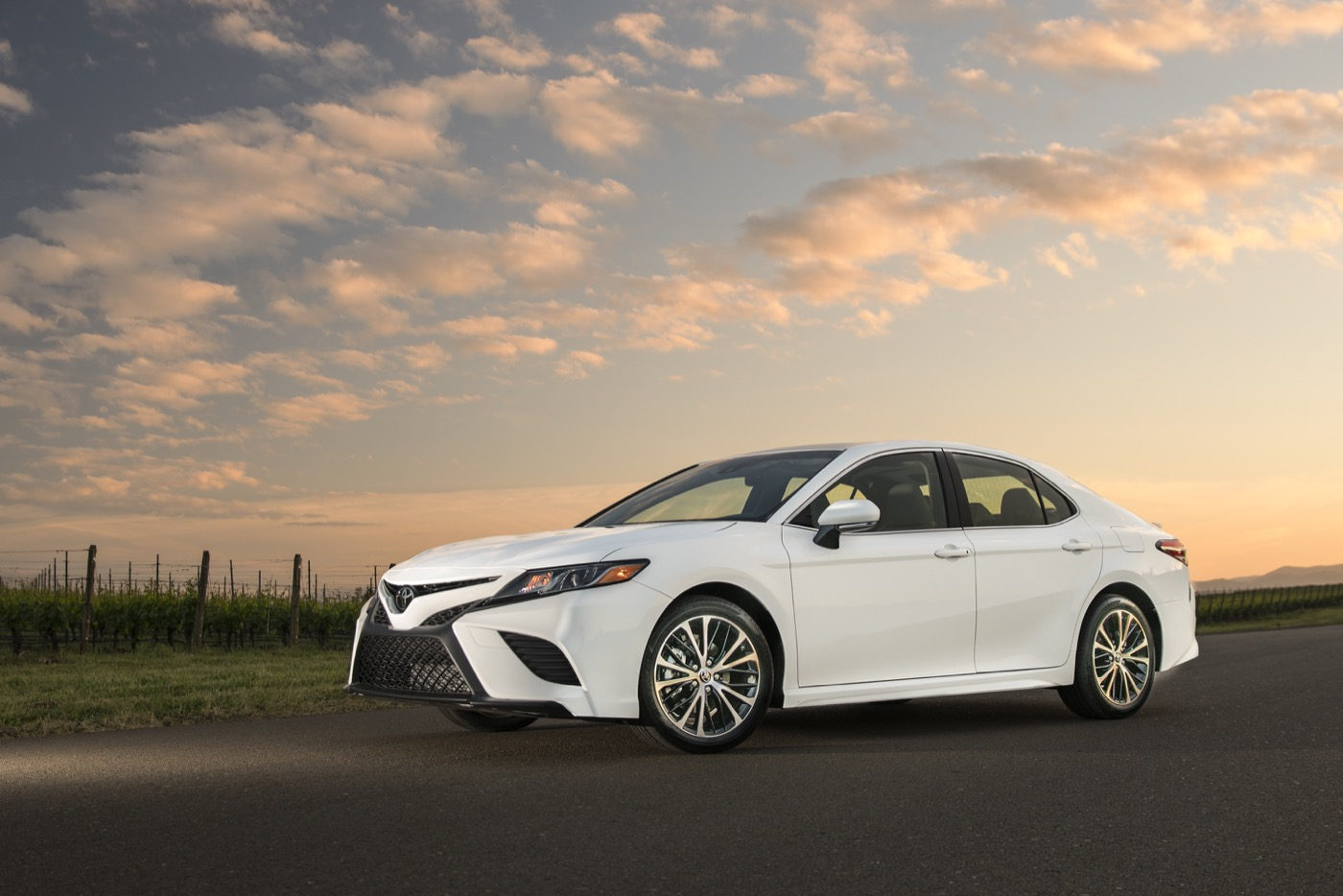 all new camry white harga grand veloz 1.3 2015 toyota sees upside for 2018 if rivals decide to