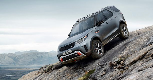 2019-land-rover-discovery-svx-downhill