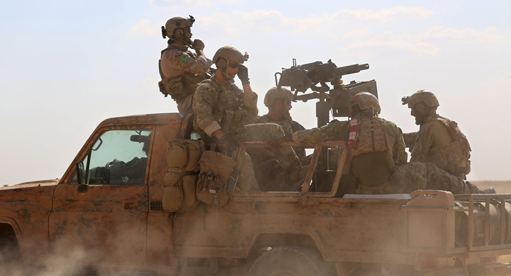 U.S. troops on Turkey's border with Syria. Click to enlarge
