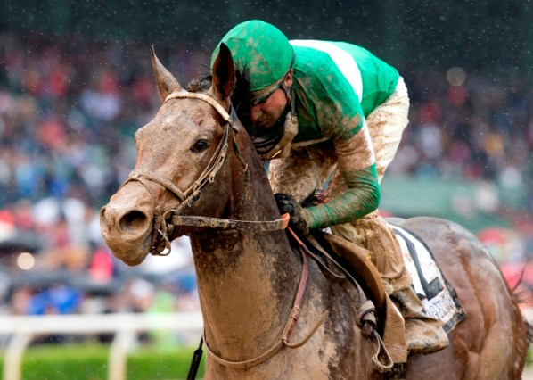 Exaggerator cruises to an impressive victory in the Santa Anita Derby (gr. I) - © BENOIT PHOTO