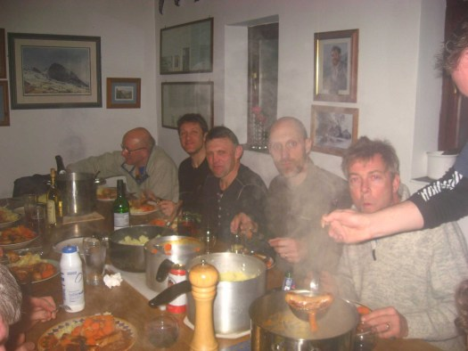 Communal Meal - Tyn Lon