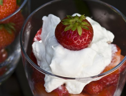strawberries romanoff aip paleo whipped cream