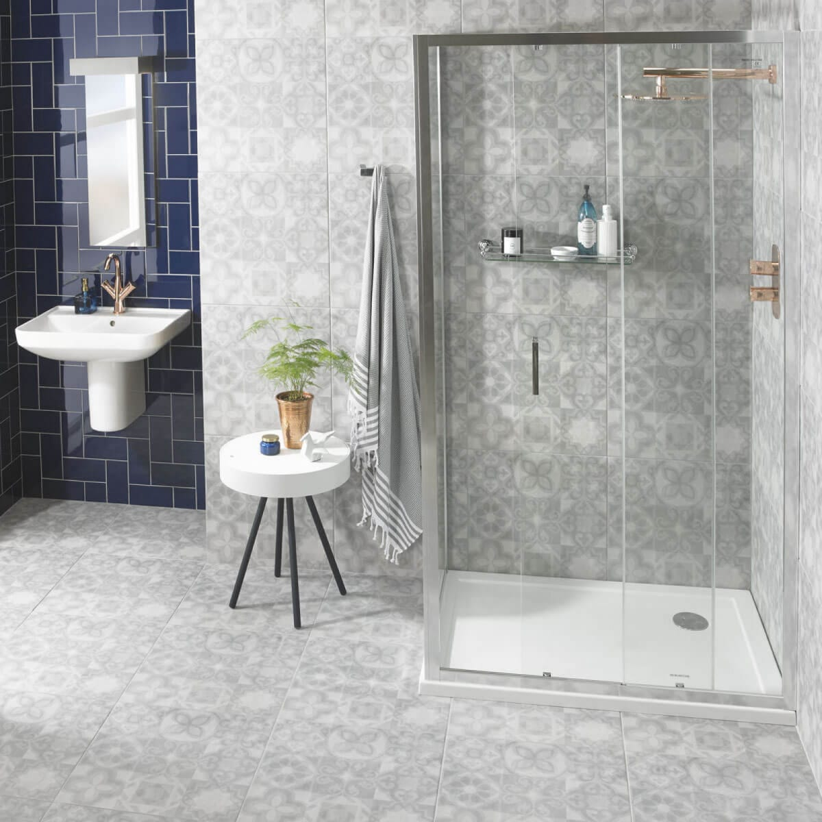 COMPACT CORNER SHOWERS ideas