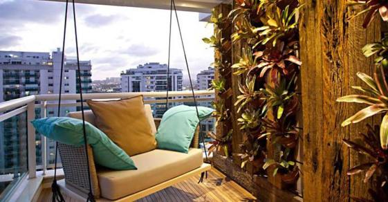 50-Balcony-Designs-We're-Completely-Obsessed-With