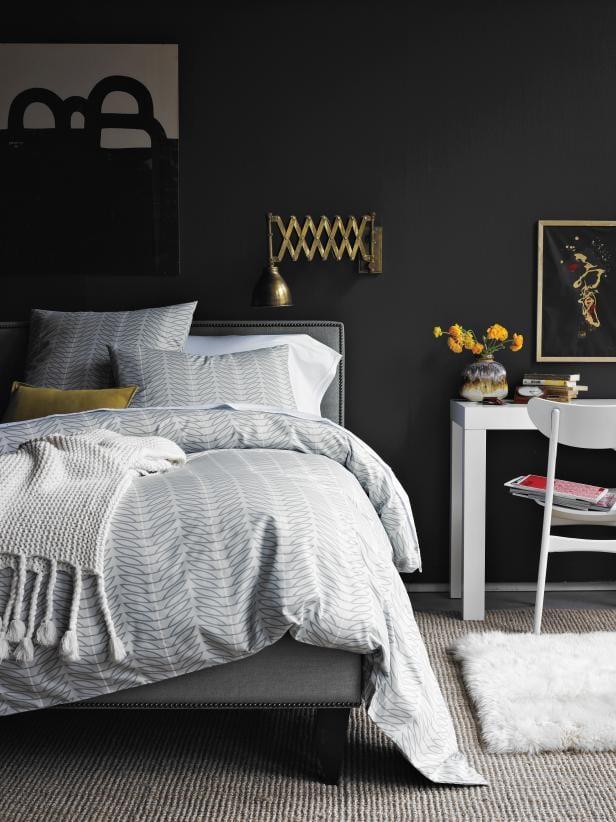 Black Walls Cozy Bedroom Ideas