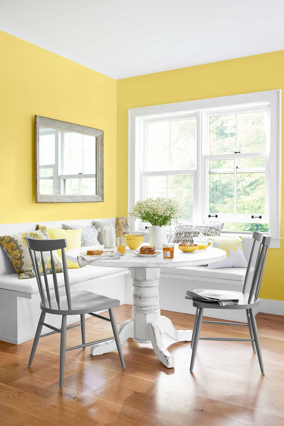 Chrome Yellow living room color ideas