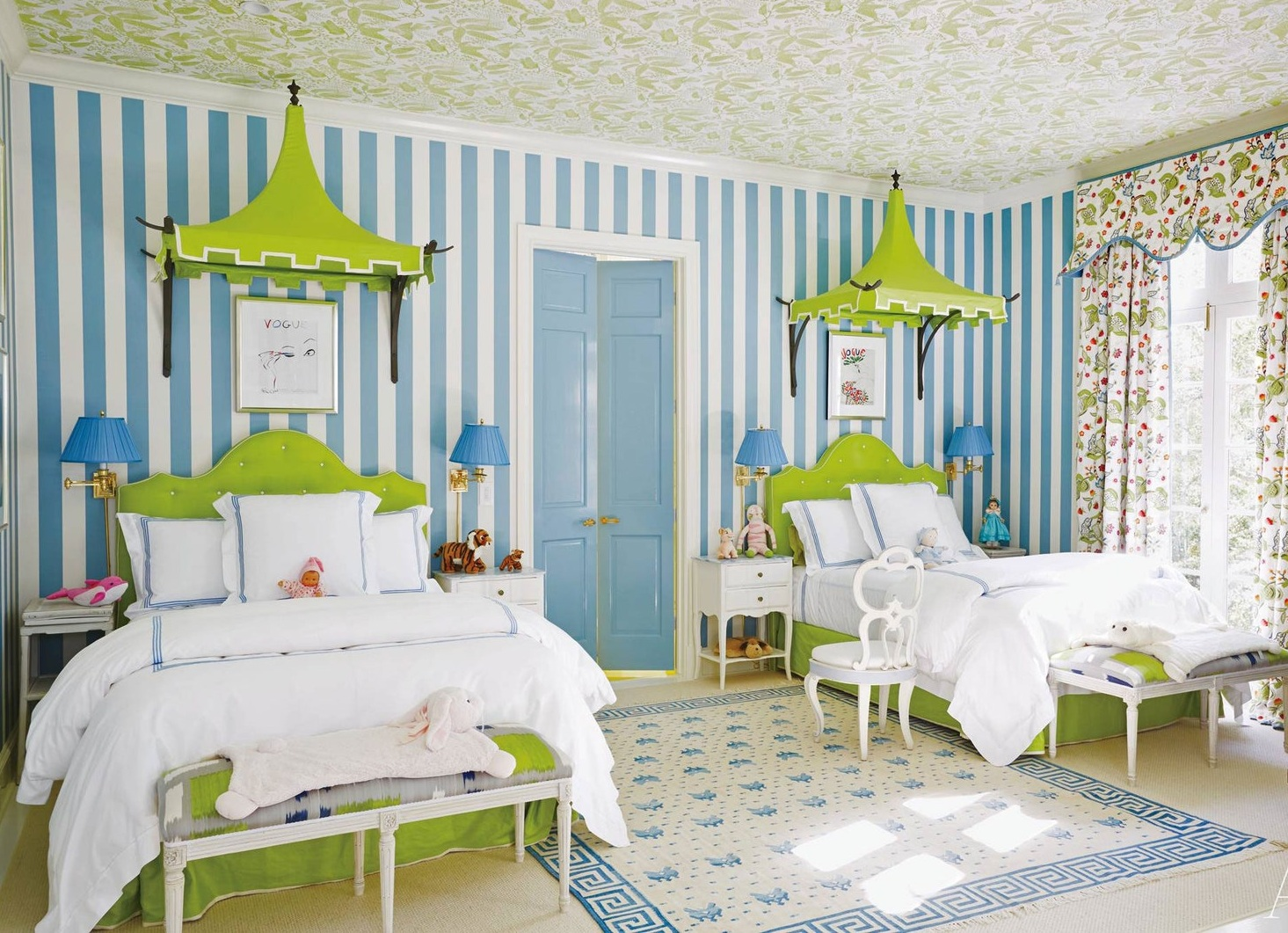 Amazing Green and Blue Theme Kids Twin Bed With Pretty Curtains and Rug To Beautify Your Room