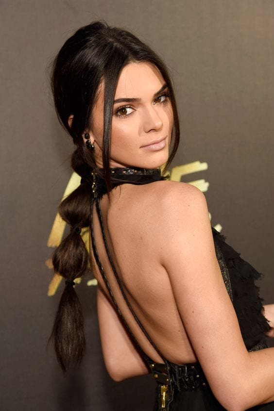 kendall jenners's back look