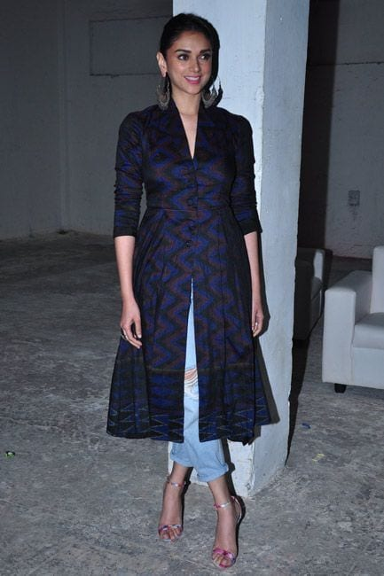 aditi roy hydari kurti with jeans