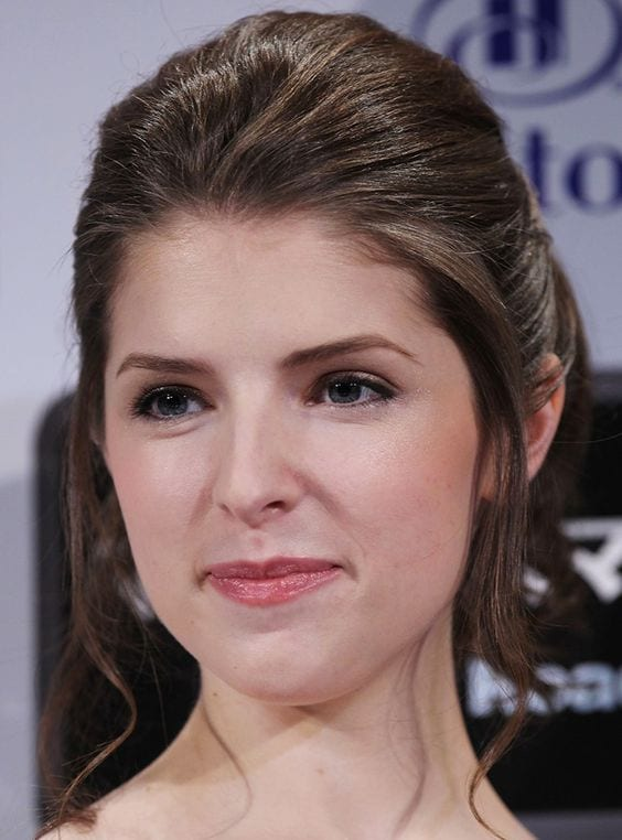 anna kendrick's pulled back look