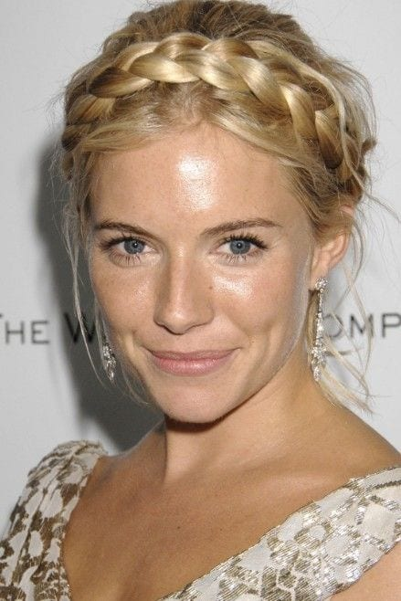 5 Tips You Must Keep In Mind While Making Milkmaid Braid