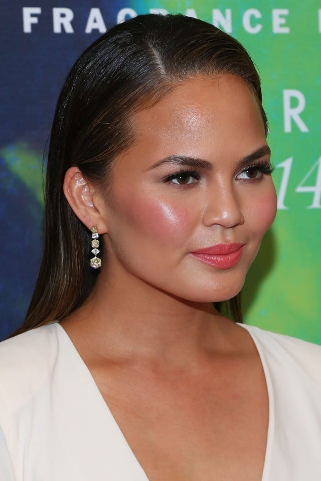 chrissy teigen slicked back look