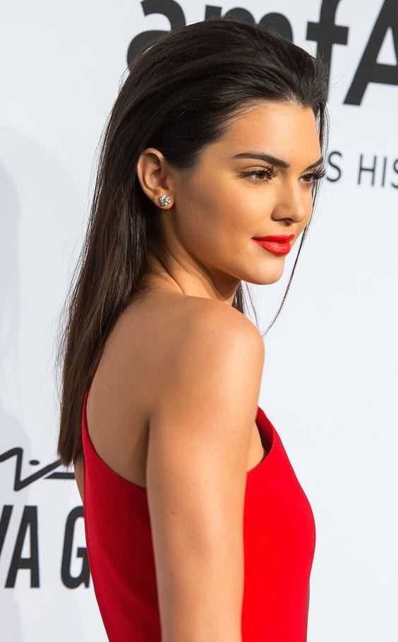 kendall jenner red carpet slicked back