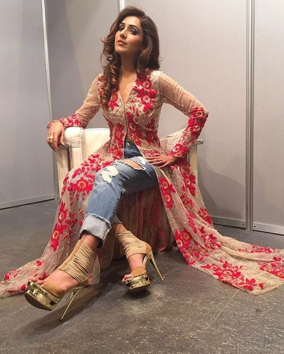 niti mohan kurti styled with jeans and high heels