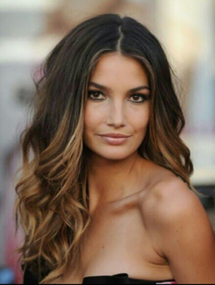 10 Steps To Create The Gorgeous Victoria Secret Waves This