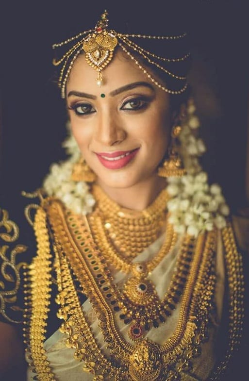gold necklace for brides