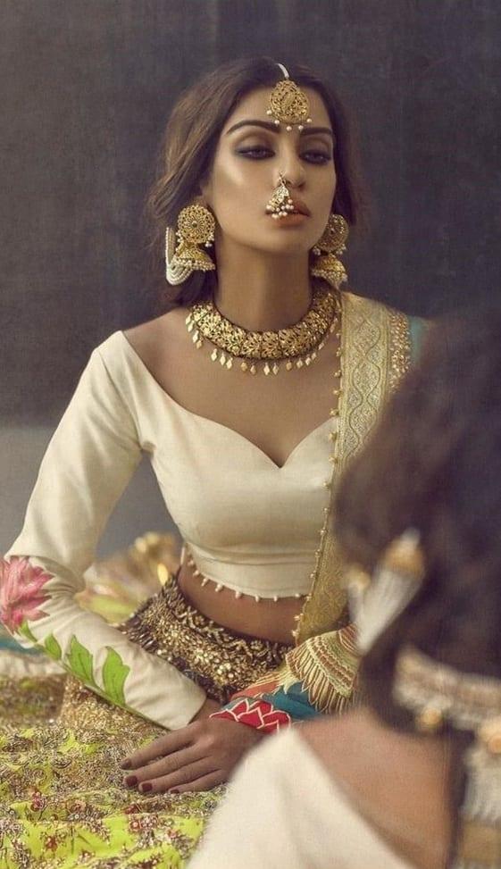 golden dangaling earring
