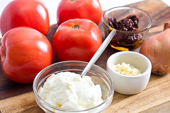 tomato and Yogurt Paste For Sun Tan Removal