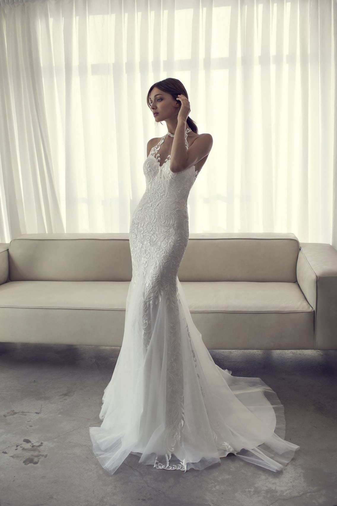 White-Bridal-Outfit-Ideas-For-Women