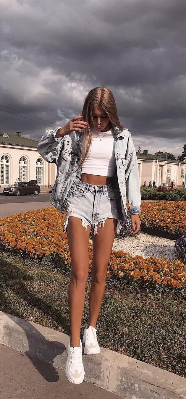 White-Sneakers-Denim-Shorts-and-Jacket-White-Tee-Outfit-for-Women