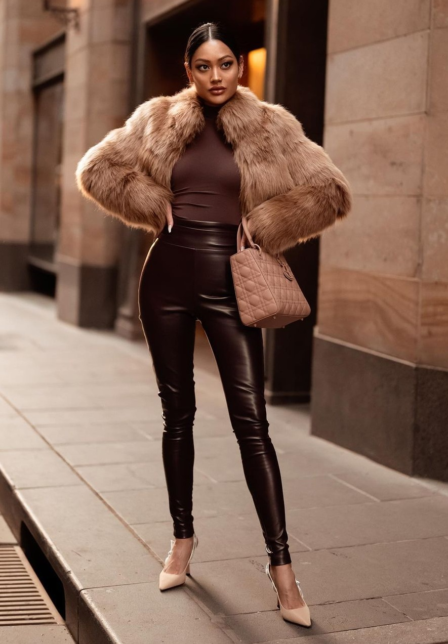 10-Hottest-Winter-Outfits-for-Women
