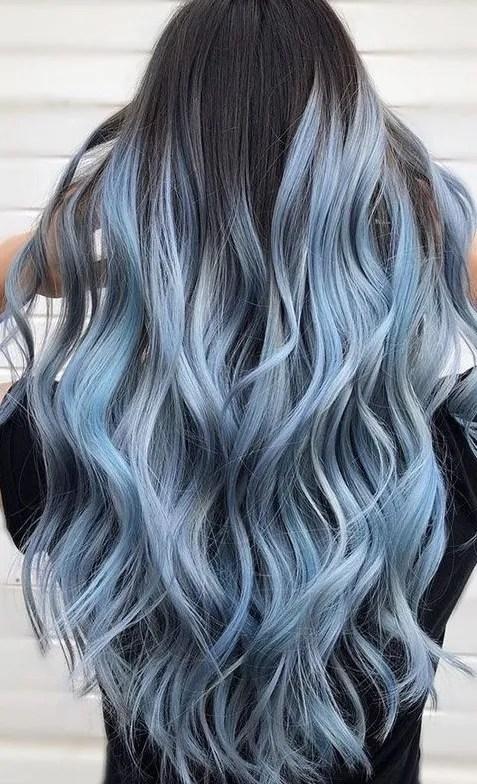 Long Wavy Grey Hair color Ideas for Women