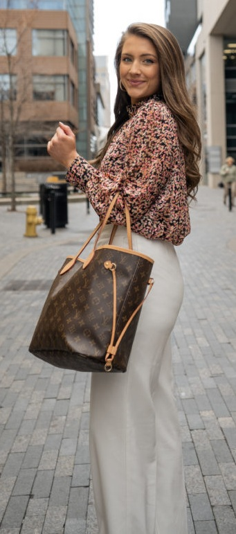 Pretty Neverfull bags from Louis Vuitton