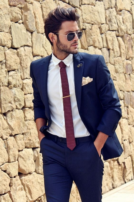suit and tie look for men