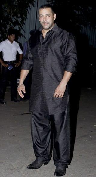 Salman khan pathani kurta outfit