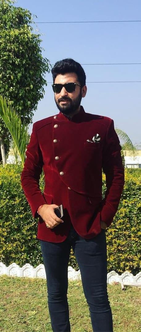 Trendy jodhpuri suit for men