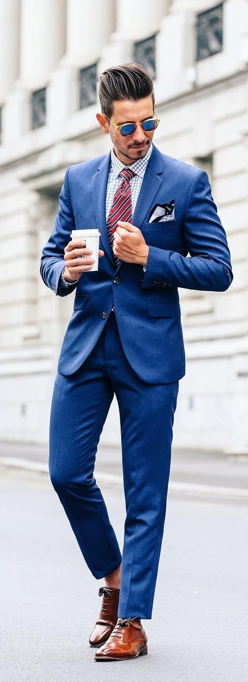 5 Must Have Suits For Men - Navy Blue