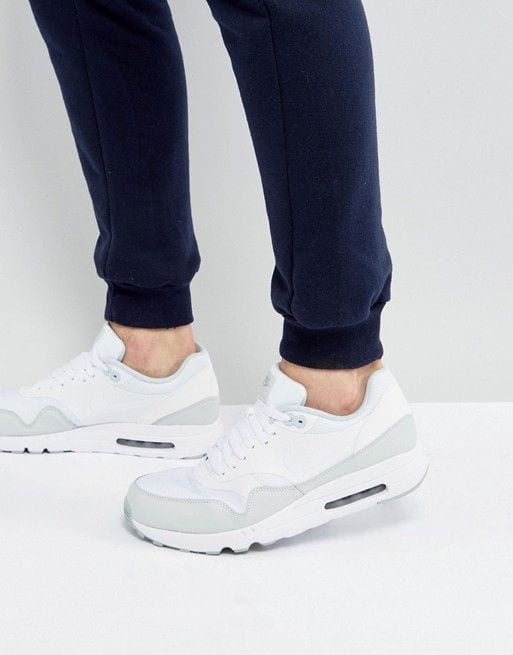 white gym shoes for men