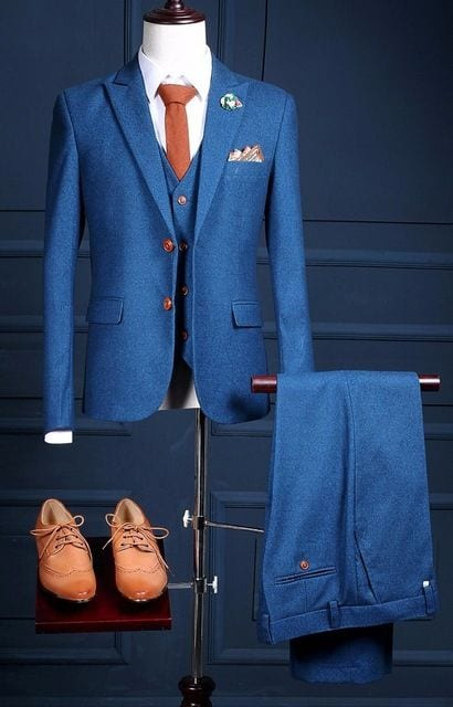 Suit for reception