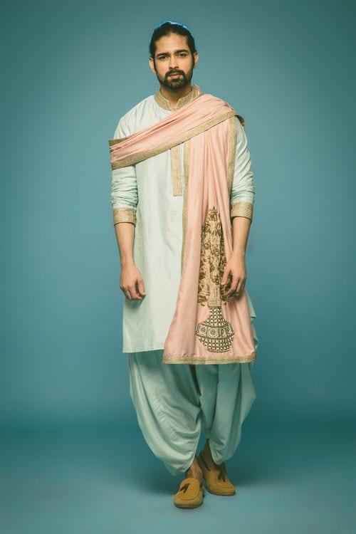 embroiderd kurta pajama for mehndi