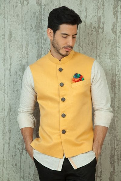 how to decide what are the best haldi ceremony outfits for men