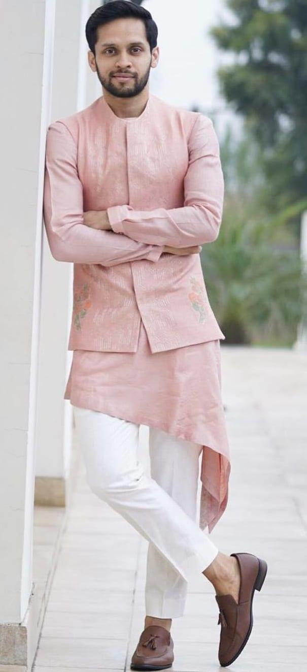 Kurta Pajama Outfit Ideas For Men This Festive Season