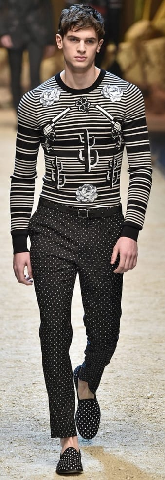 Cool Pattern Outfit Ideas For Men To Try