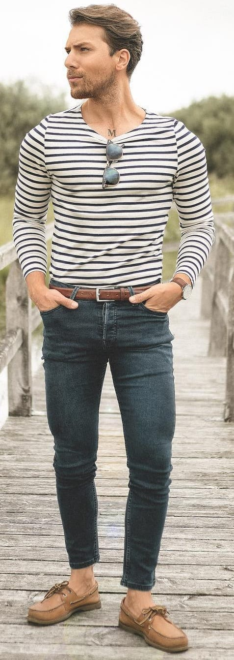 White Stripped T-shirt With Denim Outfit Ideas For Men