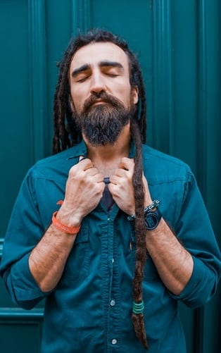dreadlock hairstyles with medium beard