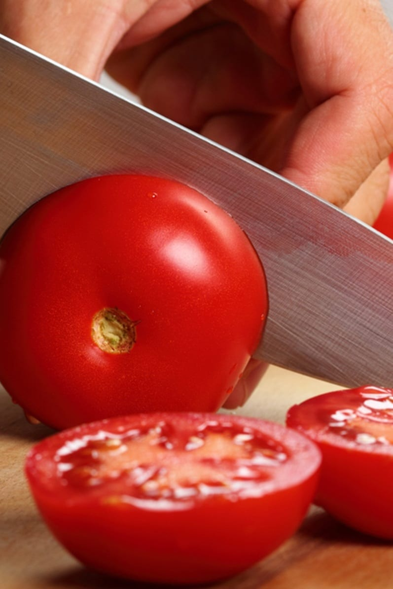 Tomato Slices For Oily Skin