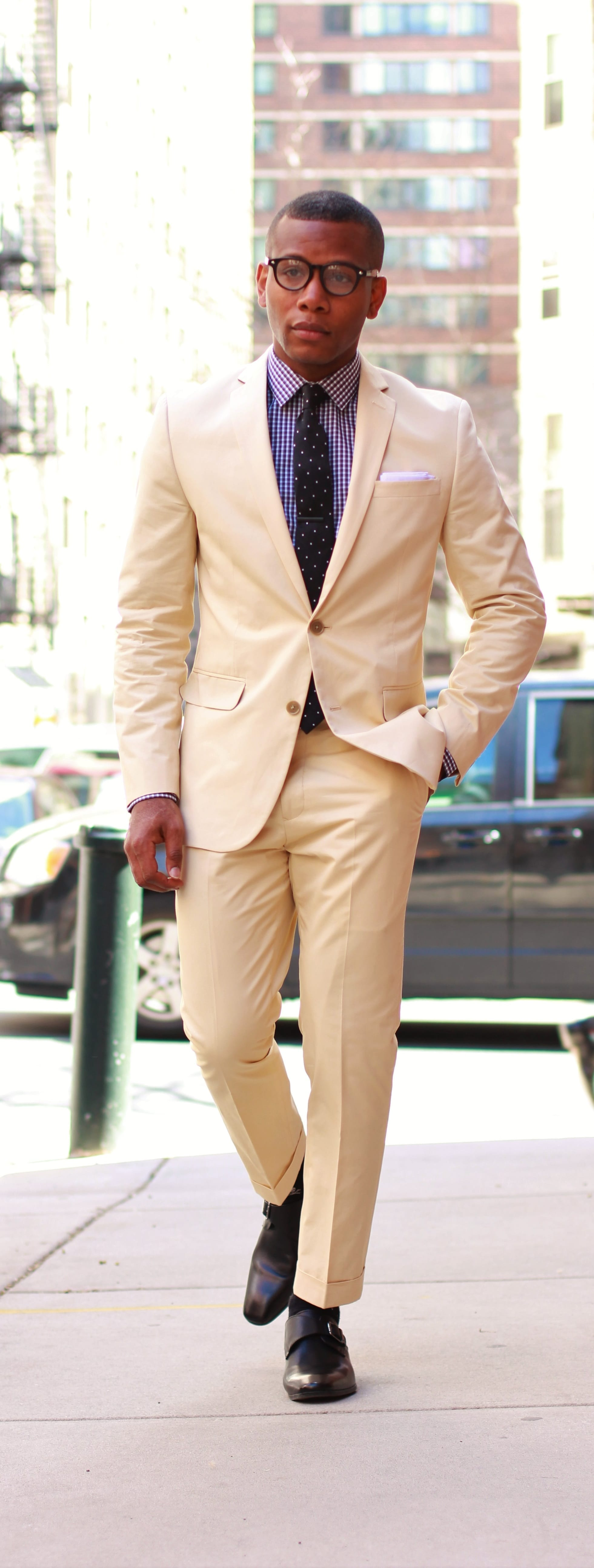 Stylish Khaki Suit Outfit Ideas For Guys