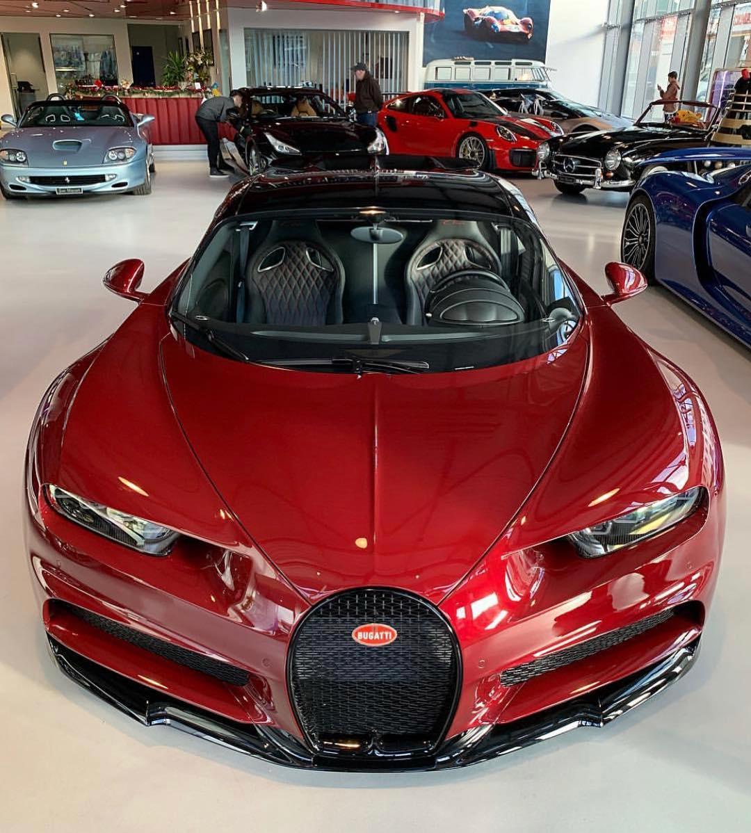 BUGGATI CHIRON SUPER CAR