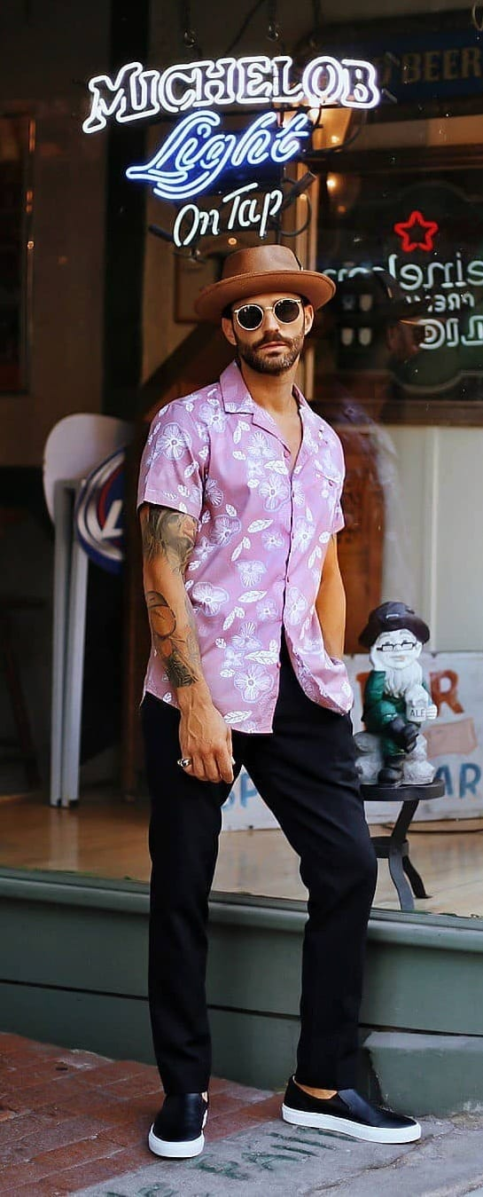 Best Hawaiian Outfit Ideas For Men To Try