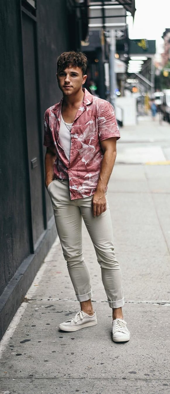Best Hawaiian Outfit Ideas For Men