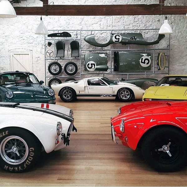 DREAM GARAGE FOR VINTAGE CARS