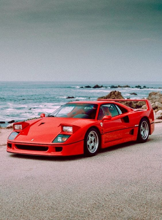FERRRAI F40 BY THE BEACH