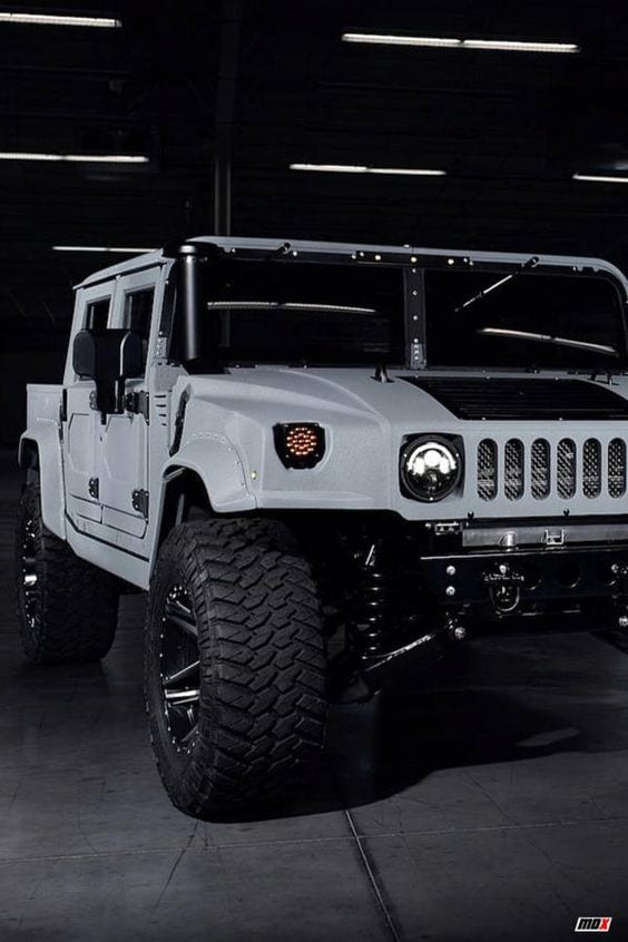White Hummer Wallpaper